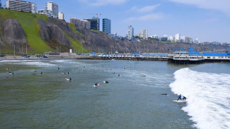Vista a?rea do La Rosa Nautica pelo mar na praia de Makaha imagem de stock royalty free