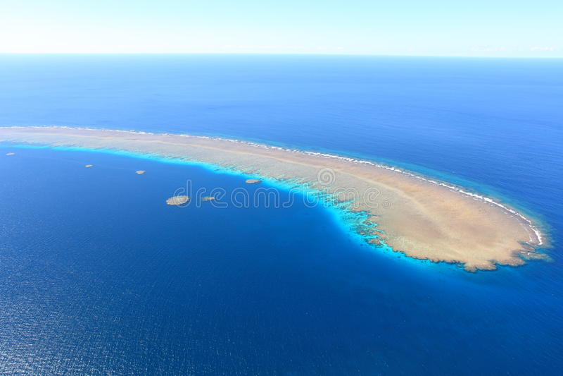 Vista aérea do mar coral, grande recife de barreira imagens de stock royalty free