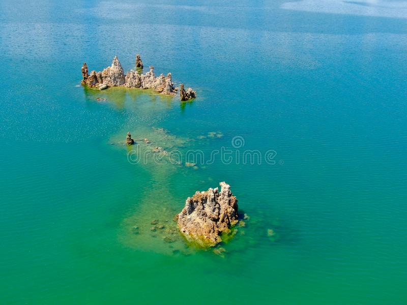 Vista aérea do mono lago fotografia de stock