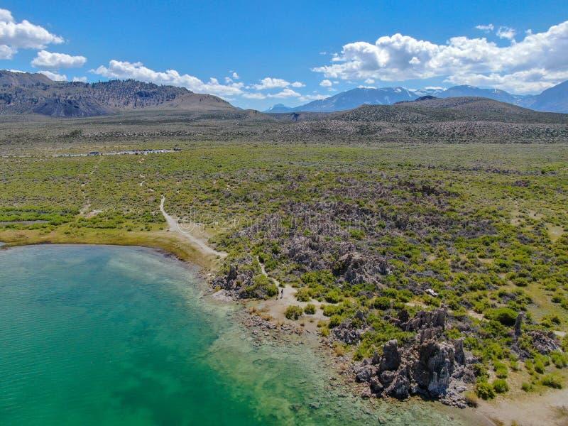 Vista aérea do mono lago fotos de stock royalty free