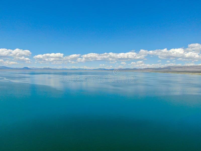 Vista aérea do mono lago fotos de stock