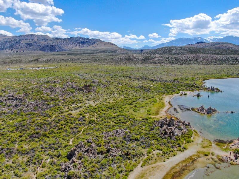 Vista aérea do mono lago foto de stock royalty free