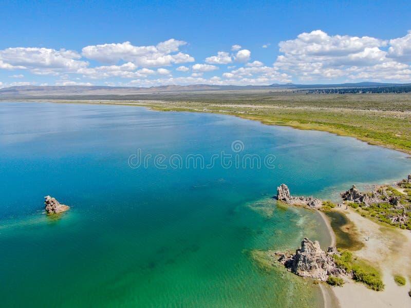 Vista aérea do mono lago imagem de stock