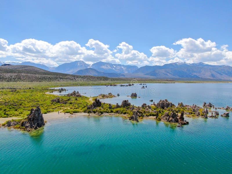 Vista aérea do mono lago imagens de stock