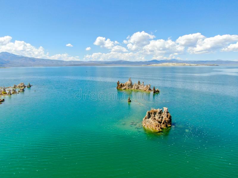 Vista aérea do mono lago fotografia de stock royalty free