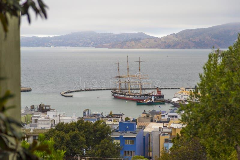 Vista aérea do navio velho de Balclutha (1886) em San Francisco Maritime National Historical Park, Califórnia, EUA imagem de stock