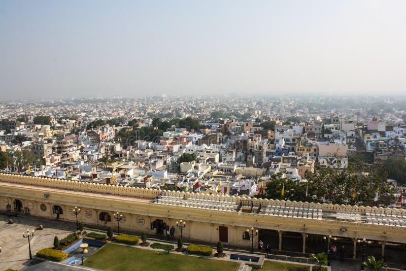 Vista aérea do palácio da cidade, Udaipur, Índia fotos de stock