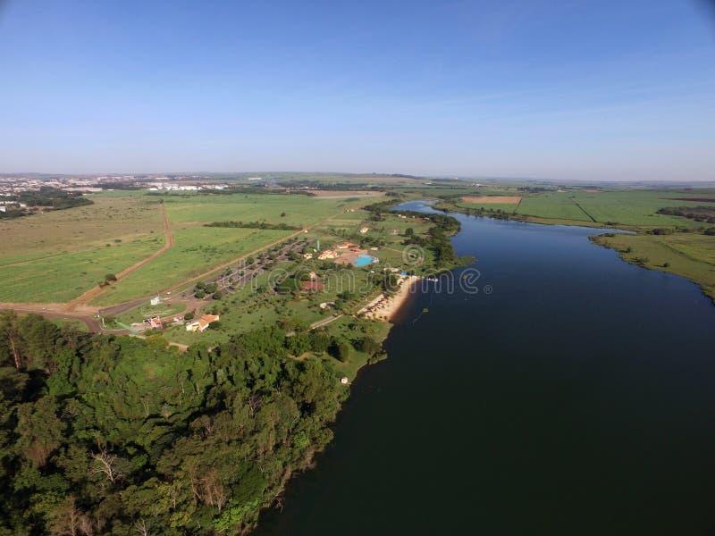 Vista aérea do parque ecológico na cidade de Sertaozinho, Sao Paulo, Brasil fotos de stock