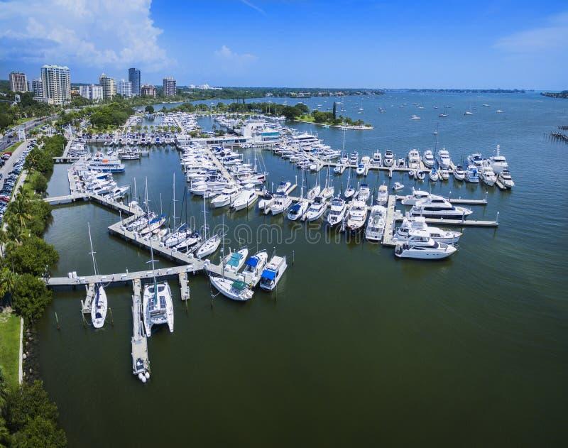 Vista aérea do parque Sarasota de Bayfront fotografia de stock royalty free