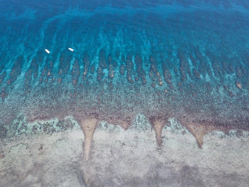 Vista aérea do recife de coral das caraíbas imagens de stock