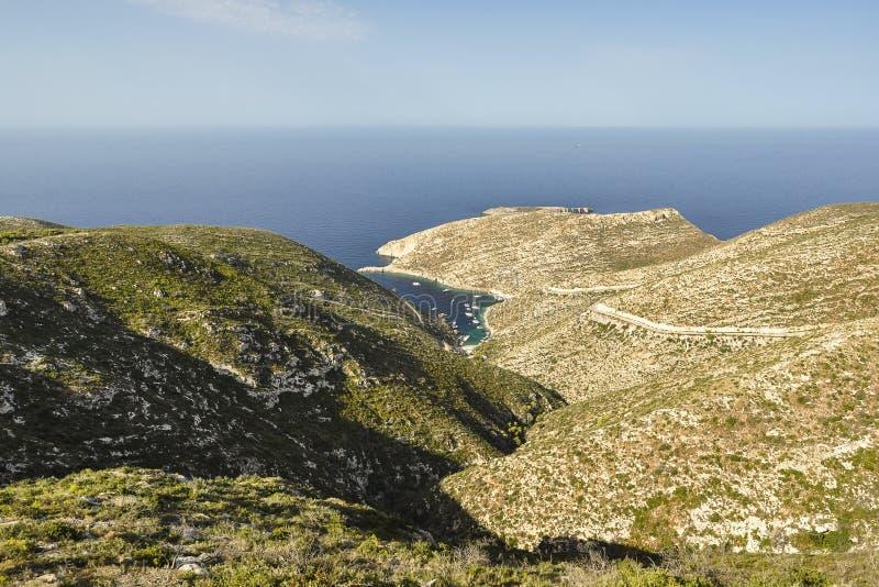 Vista aérea do seascape e das montanhas imagens de stock royalty free