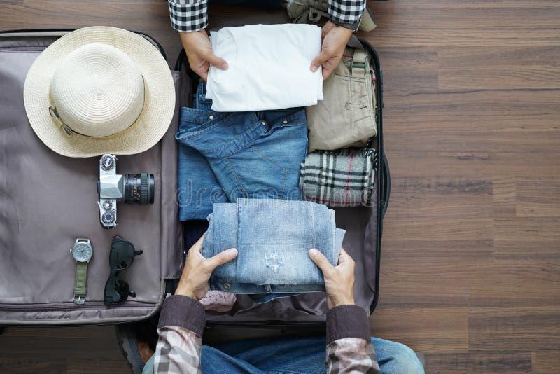 Vista aérea do vaca novo da lua de mel do planeamento dos pares do ` s do viajante fotos de stock royalty free