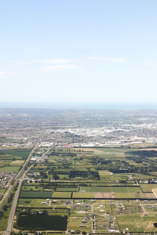 Vista aérea dos subúrbios em torno de Christchurch, Nova Zelândia imagem de stock royalty free