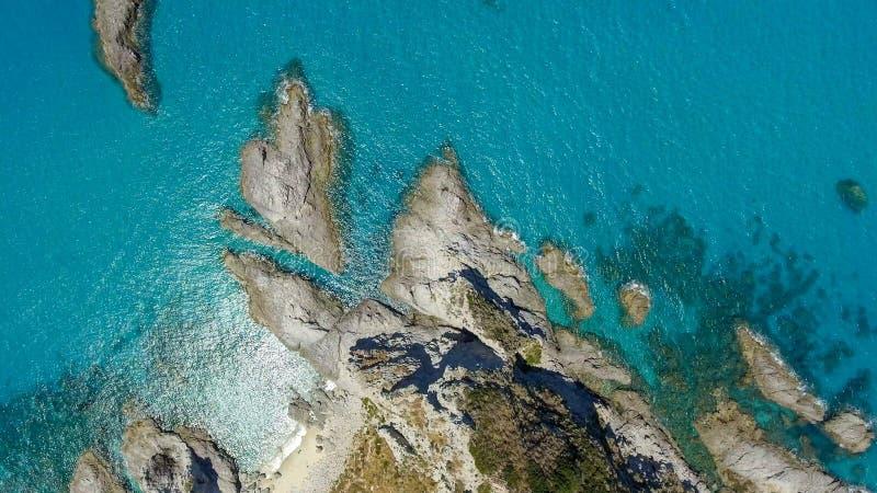 Vista aérea hermosa de la costa costa en Calabria, Italia fotografía de archivo