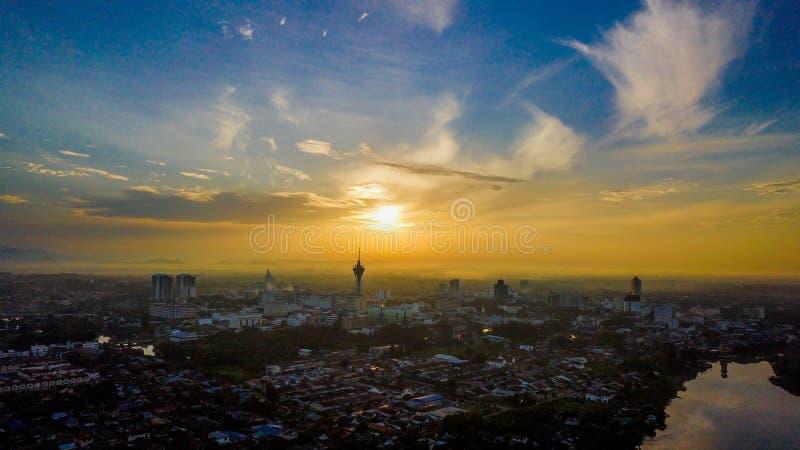 Vista aérea hermosa de la salida del sol en Alor Setar Malaysa fotos de archivo libres de regalías