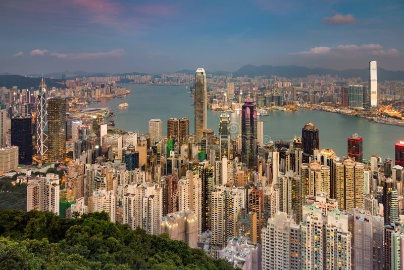 A vista aérea Hong Kong aglomerou o negócio central da cidade na cidade fotos de stock