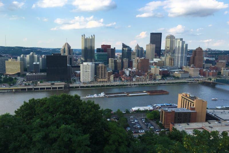 Vista aérea horizonte de la Pittsburgh, Pennsylvania imagen de archivo libre de regalías
