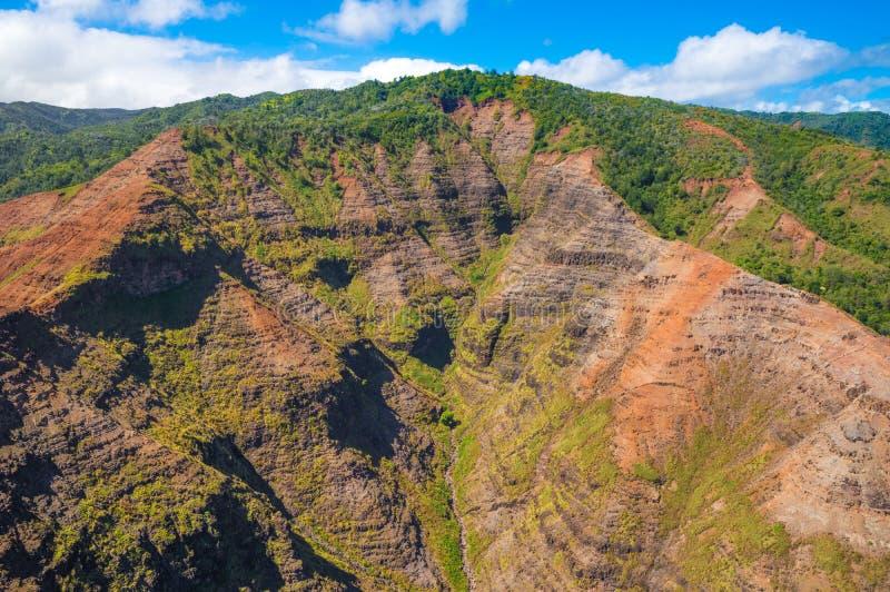 Vista aérea imponente de selvas espectaculares, Kauai, Hawaii foto de archivo