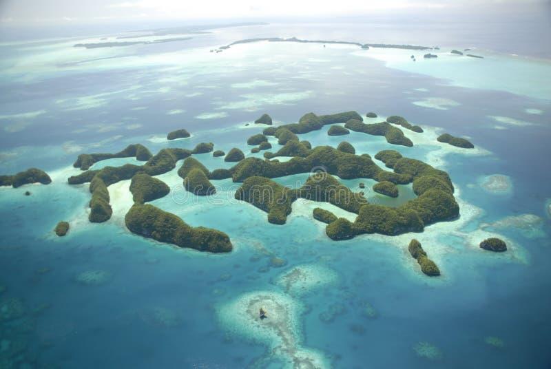 Vista aérea islas famosas de Palau de las setenta fotos de archivo