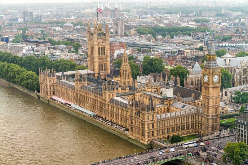 Vista aérea maravillosa de Big Ben y casas del parlamento en Wes imagenes de archivo