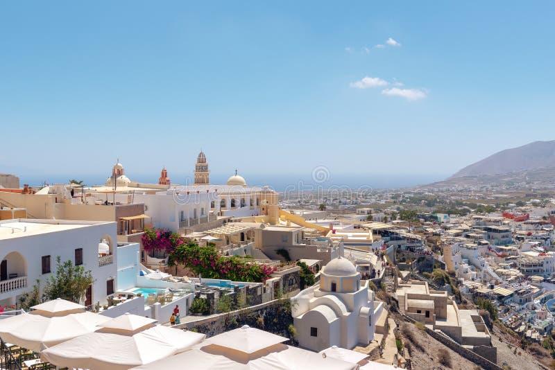 Vista aérea na cidade do capital de Thira da ilha, Grécia imagens de stock