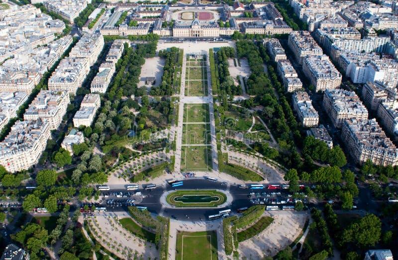 Vista aérea no Champ de Mars e no Ecole Militaire imagens de stock royalty free