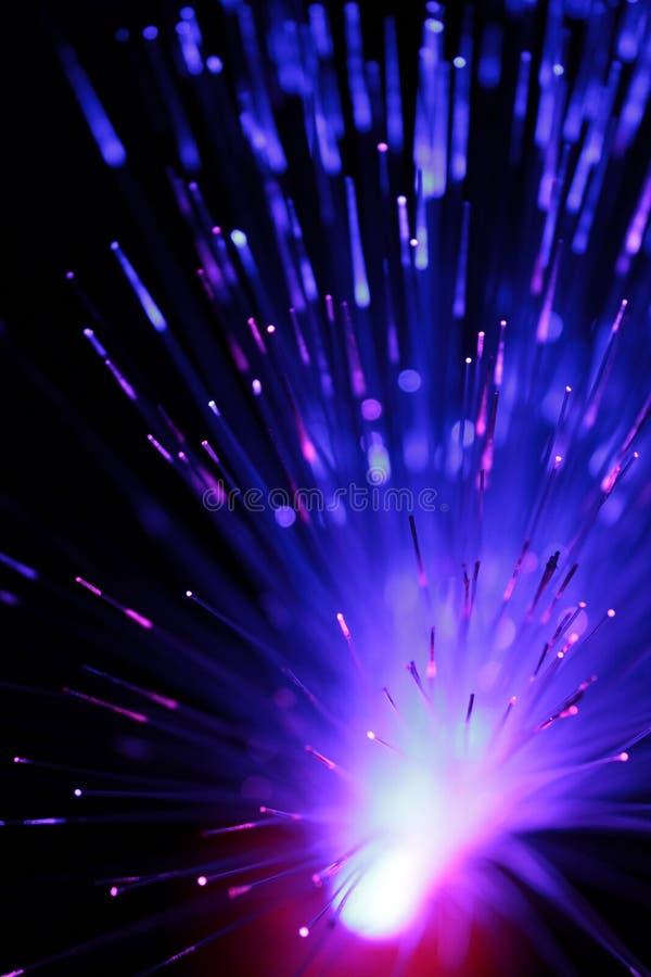 Vista abstrata de fibras ?ticas multicoloridos como um fundo foto de stock