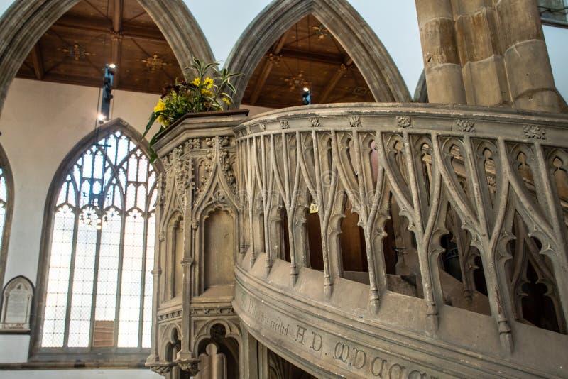 Vista acima à igreja da casca do púlpito fotografia de stock royalty free