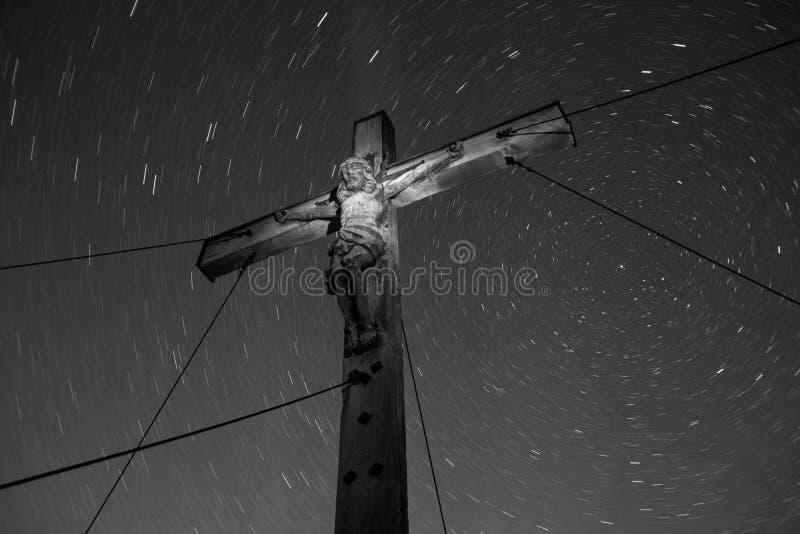 Vista acima às fugas de Jesus e de milhão estrelas foto de stock royalty free