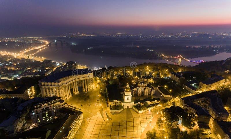 Vista aerea al san Michael Golden Domed Cathedral nel centro di Kyiv fotografia stock libera da diritti