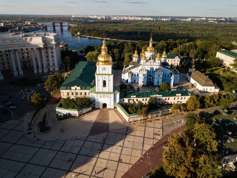 Vista aerea al san Michael Golden Domed Cathedral nel centro di Kyiv, Ucraina immagini stock libere da diritti