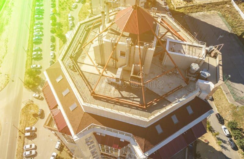 Vista aerea alta vicina degli appartamenti piani della casa nell'area di lusso f fotografie stock