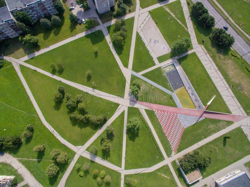 Vista aerea astratta del quadrato di Cecenija a Kaunas fotografia stock libera da diritti