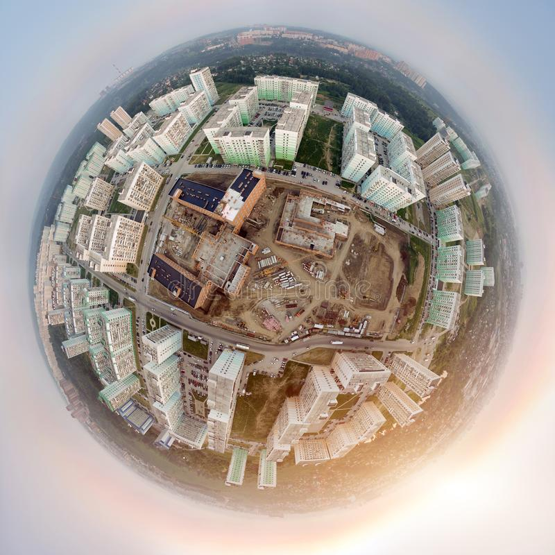 Vista aerea: città moderna immagini stock