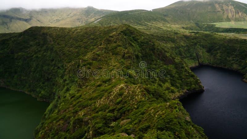 Vista aerea a Comprida ed ai laghi Negra, isola del Flores, Azzorre portugal immagine stock libera da diritti