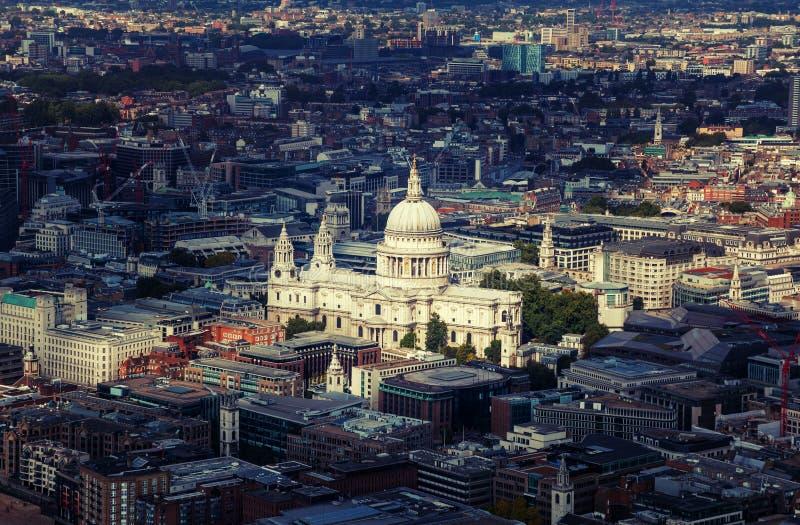 Vista aerea con la cattedrale Londra di St Paul fotografia stock