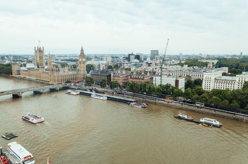 Vista aerea dall'occhio di Londra: Ponte di Westminster, Big Ben e uff fotografia stock