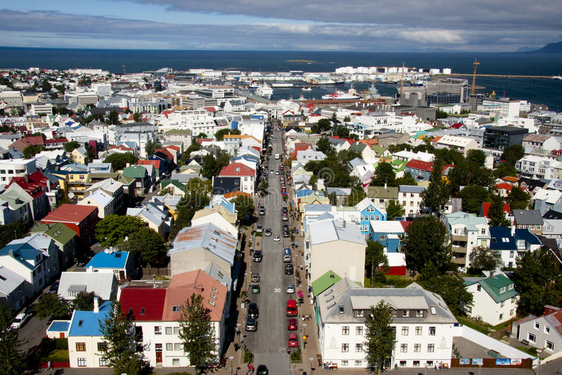 Vista aerea dalla chiesa di Hallgrimskirkja - Islanda fotografie stock libere da diritti