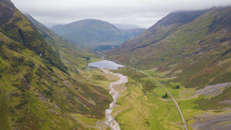 Vista aerea degli altopiani spettacolari in Scozia immagine stock libera da diritti