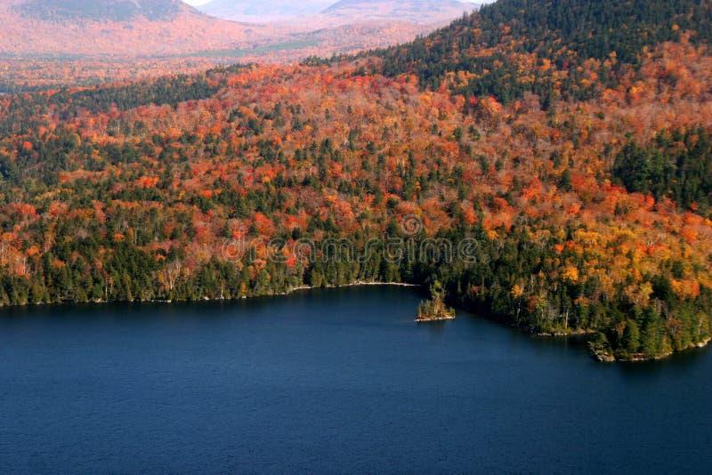 Vista aerea dei colori cambianti di caduta della Nuova Inghilterra fotografie stock