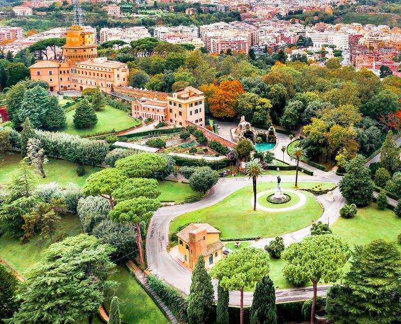 Vista aerea dei giardini del Vaticano fotografie stock libere da diritti