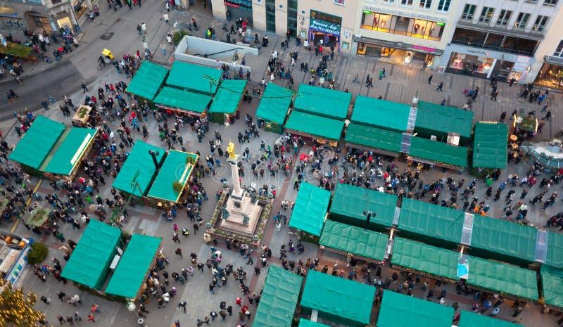 Vista aerea dei mercati di natale a Monaco di Baviera immagine stock