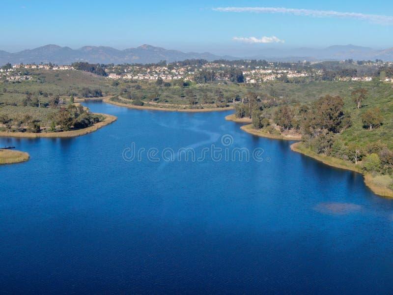 Vista aerea del bacino idrico nella comunit? del ranch di Scripps Miramar, San Diego, California di Miramar immagine stock libera da diritti