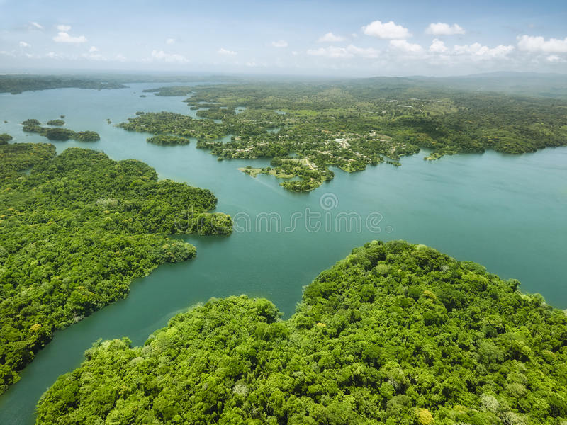 Vista aerea del canale di Panama dal lato atlantico fotografia stock libera da diritti