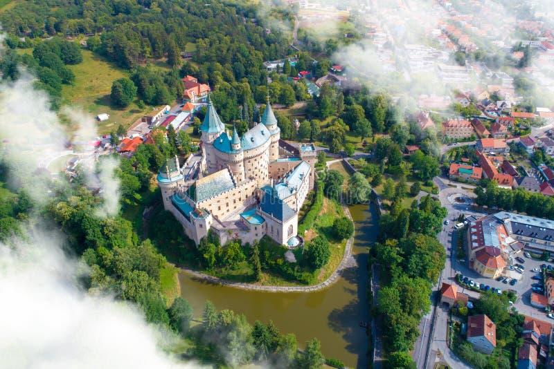 Vista aerea del castello di Bojnice fotografia stock libera da diritti