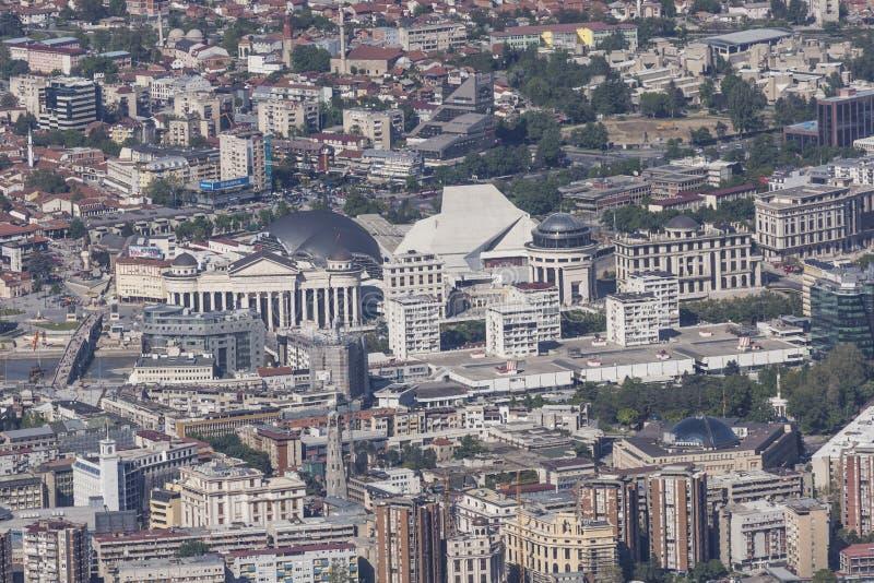 Vista aerea del centro urbano di Skopje - la Macedonia immagini stock