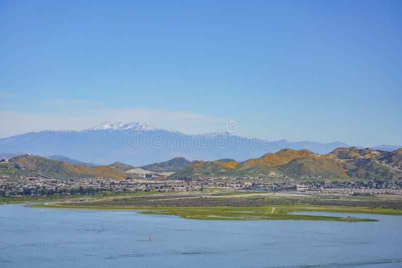 Vista aerea del lago Elsinore fotografie stock libere da diritti