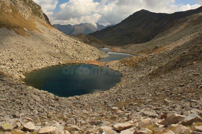 Vista aerea del lago glaciale in Posets-Maladeta immagine stock