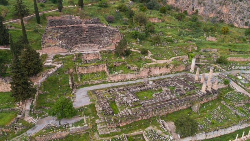 Vista aerea del sito archeologico di Delfi antica, sito del tempio di Apollo e di Oracle, Grecia immagini stock libere da diritti