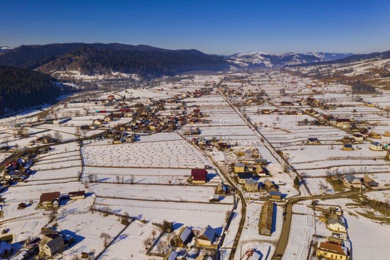 Vista aerea del villaggio rumeno tradizionale immagine stock